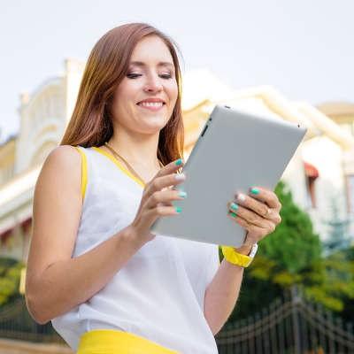 Apple vs Samsung: Who Makes Better Tablets?